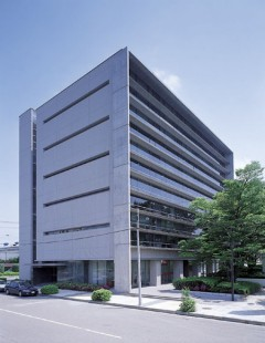 情報センタービル〈大〉